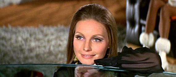 Nancy (Catherine Schell)